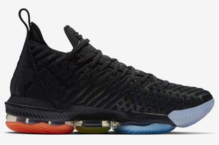 2e09194919dba Nike LeBron 16