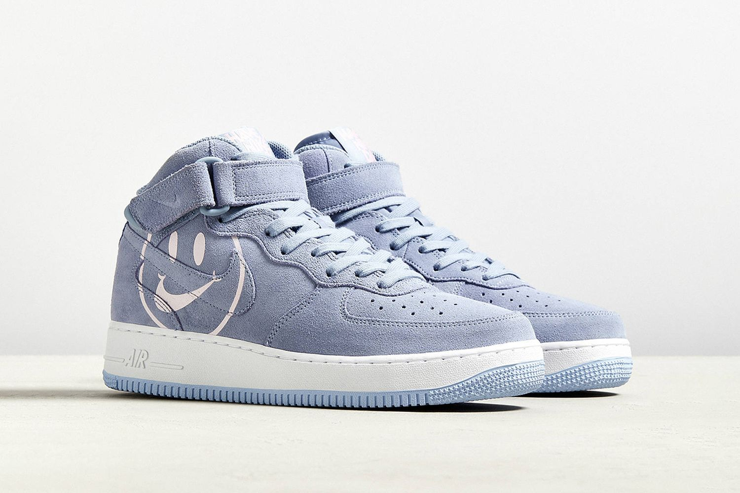 "Air Force 1 Mid '07 ""Have A Nice Day"""
