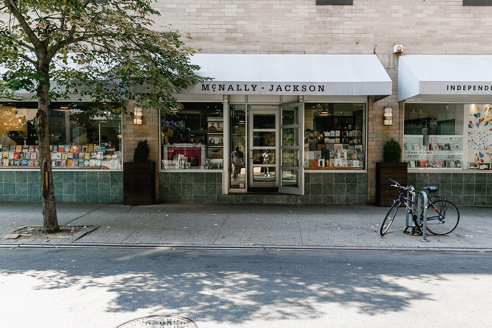 Amex NYC Bookstores McNally Jackson american express platinum art & museums new york