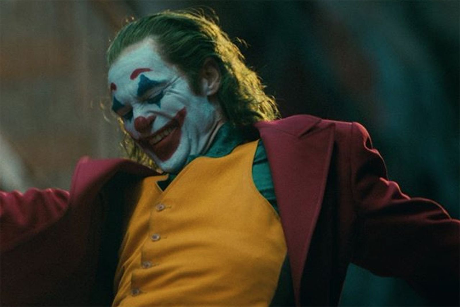 Joaquin phoenix as joker smiling