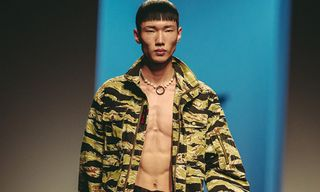 Han Chul Lee Shows Camo and Deconstructed Denim for SS19 at Seoul Fashion Week