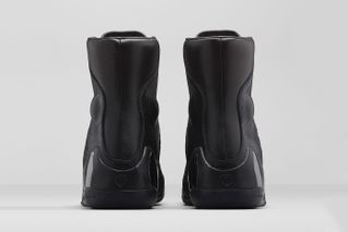 """best sneakers e0eff 5fd9e 2 more. Previous Next. Just days before Christmas, Nike has officially  unveiled the highly anticipated Kobe 9 KRM EXT """"Black Mamba."""