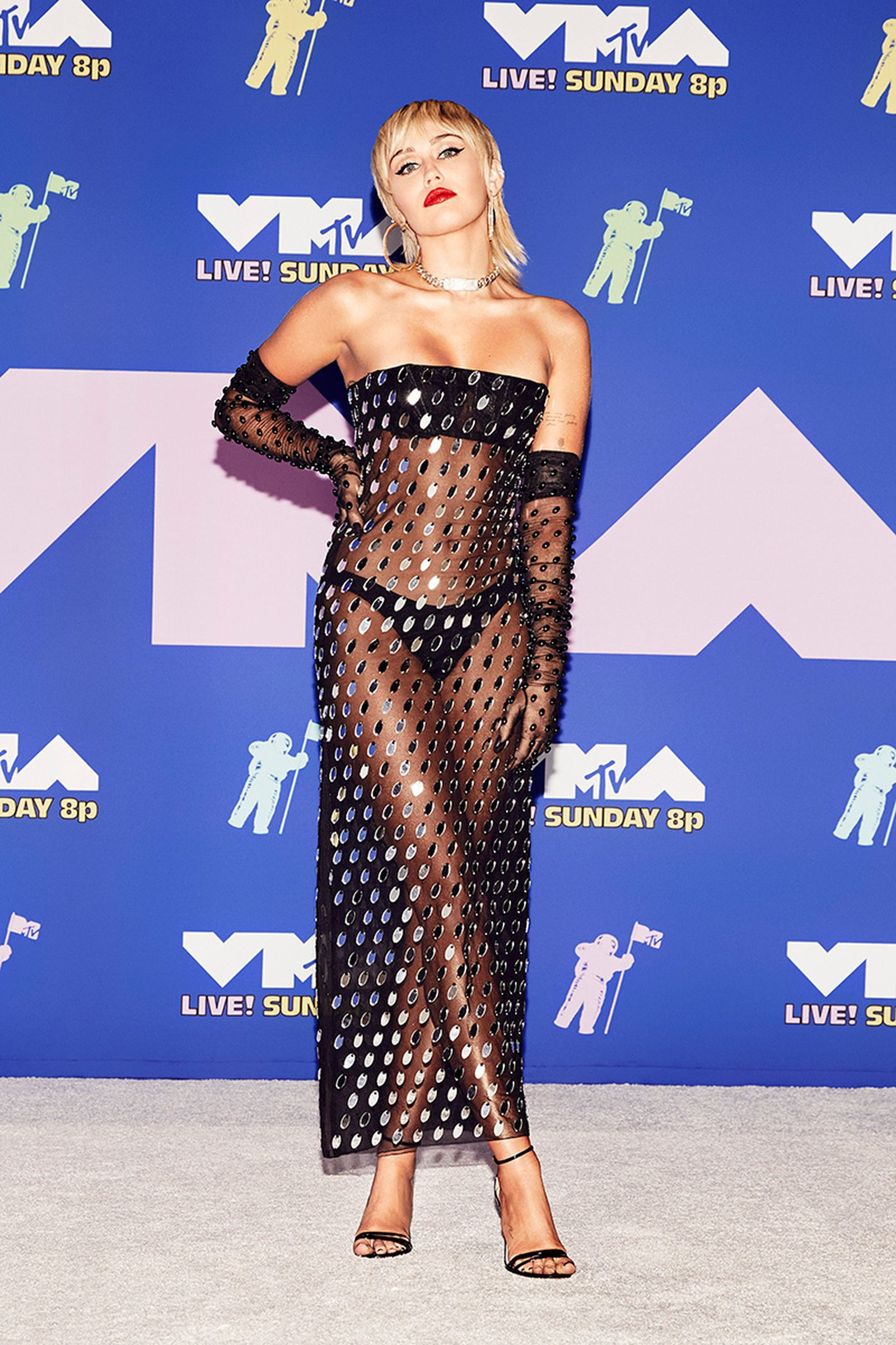heres-went-first-ever-vmas-pandemic-02