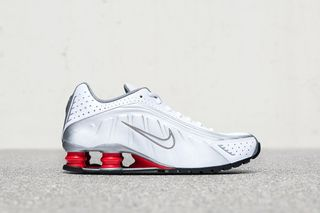 more photos 44db6 faf49 Nike Shox R4  How   Where to Buy Today