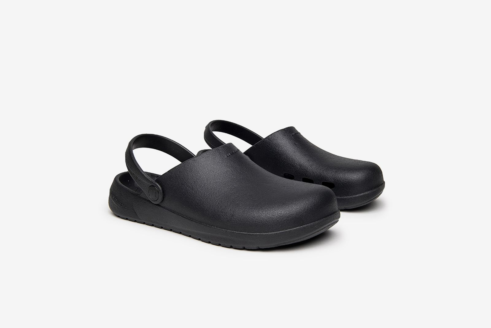 ales-grey-rodeo-drive-slip-on-1-10