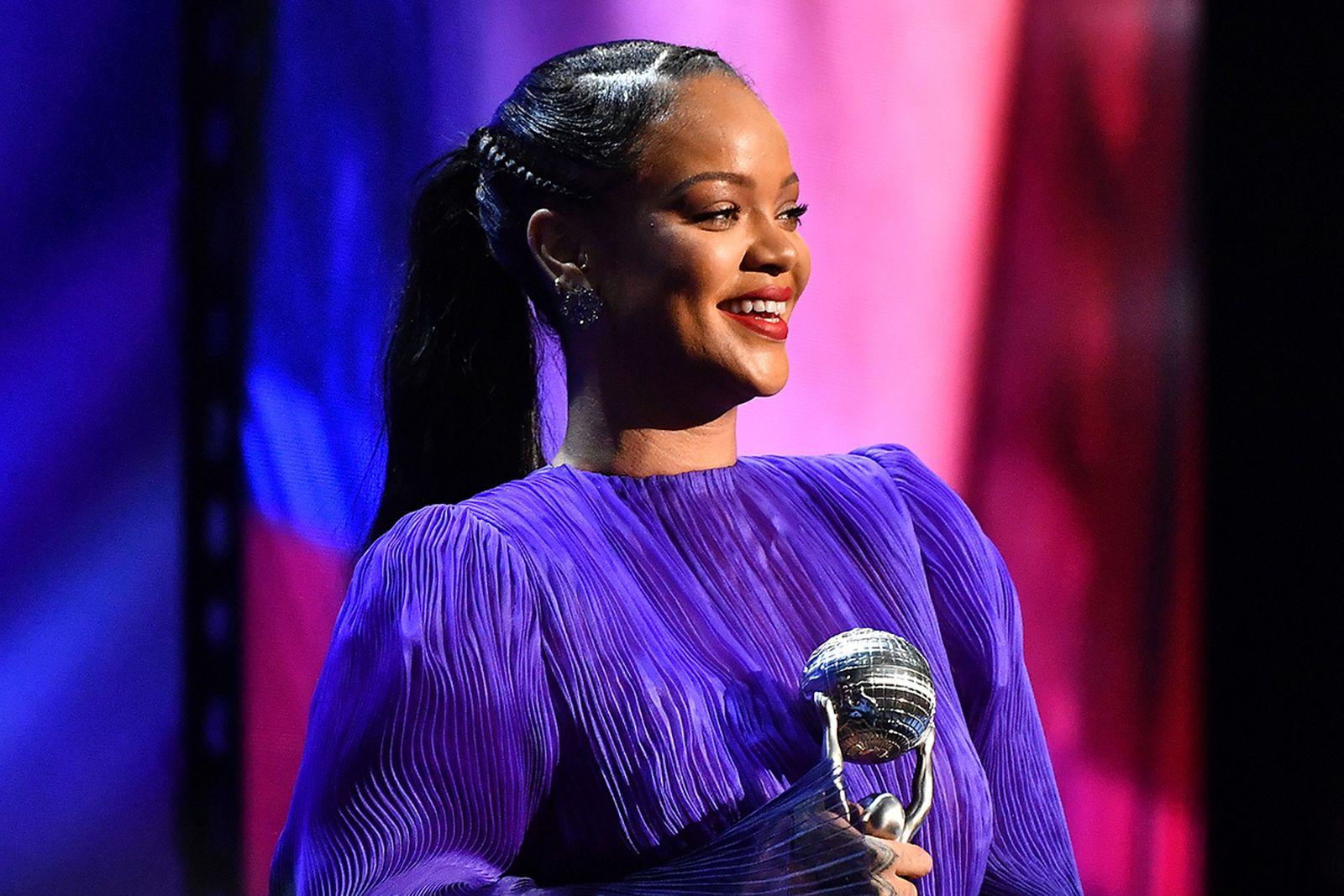 Rihanna purple dress