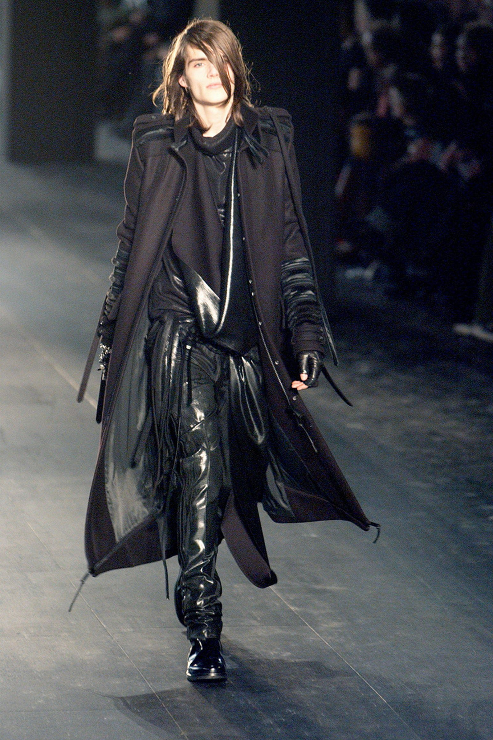 the-12-fashion-shows-that-changed-mens-fashion-dior-homme-01