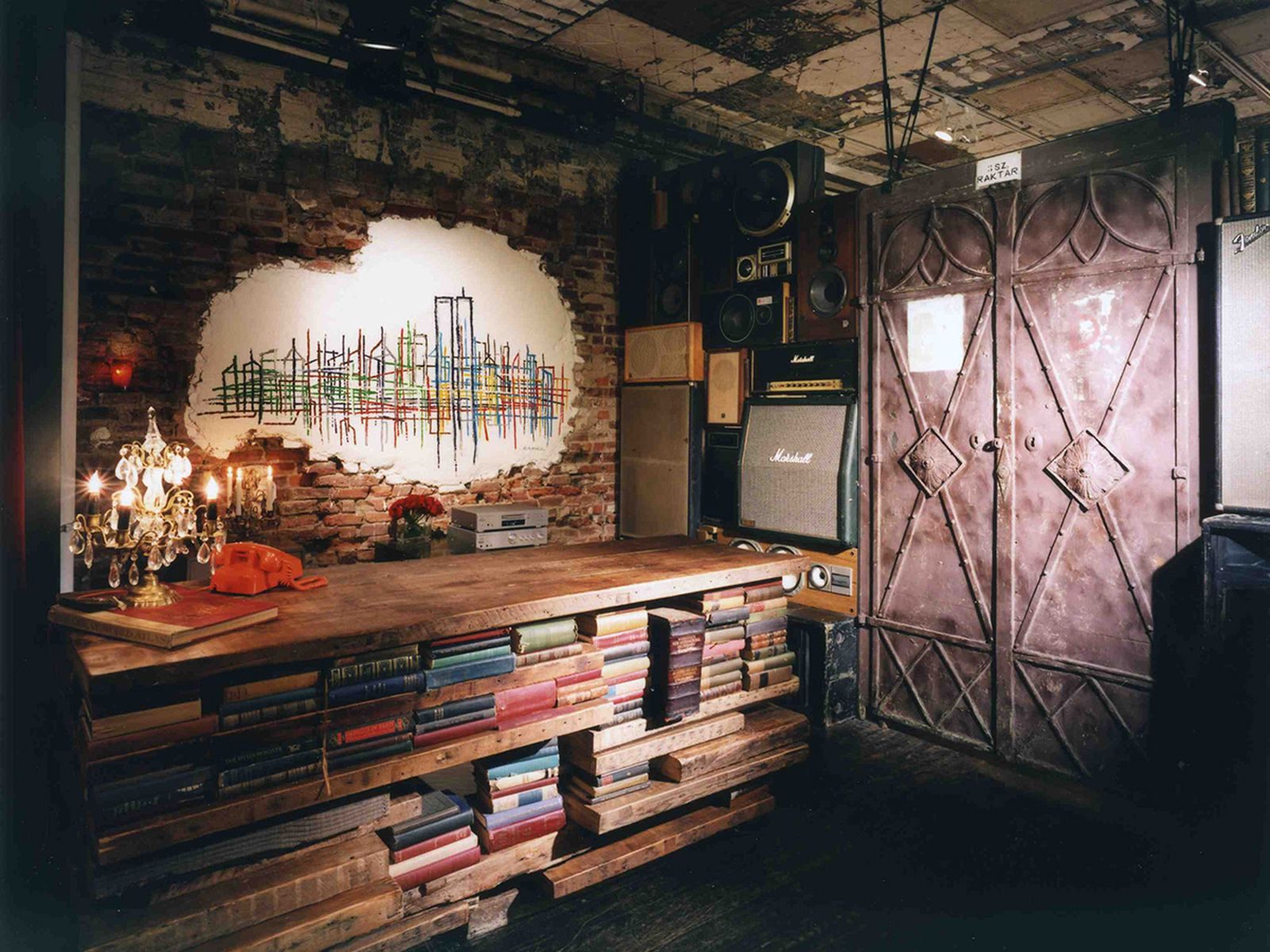 game-changers-best-store-interiors-changed-fashion-number-(n)ine-03