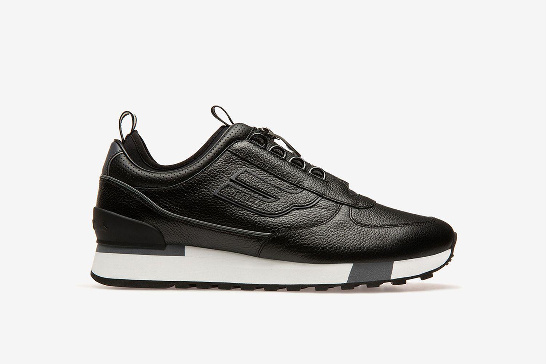 Grody Sneakers