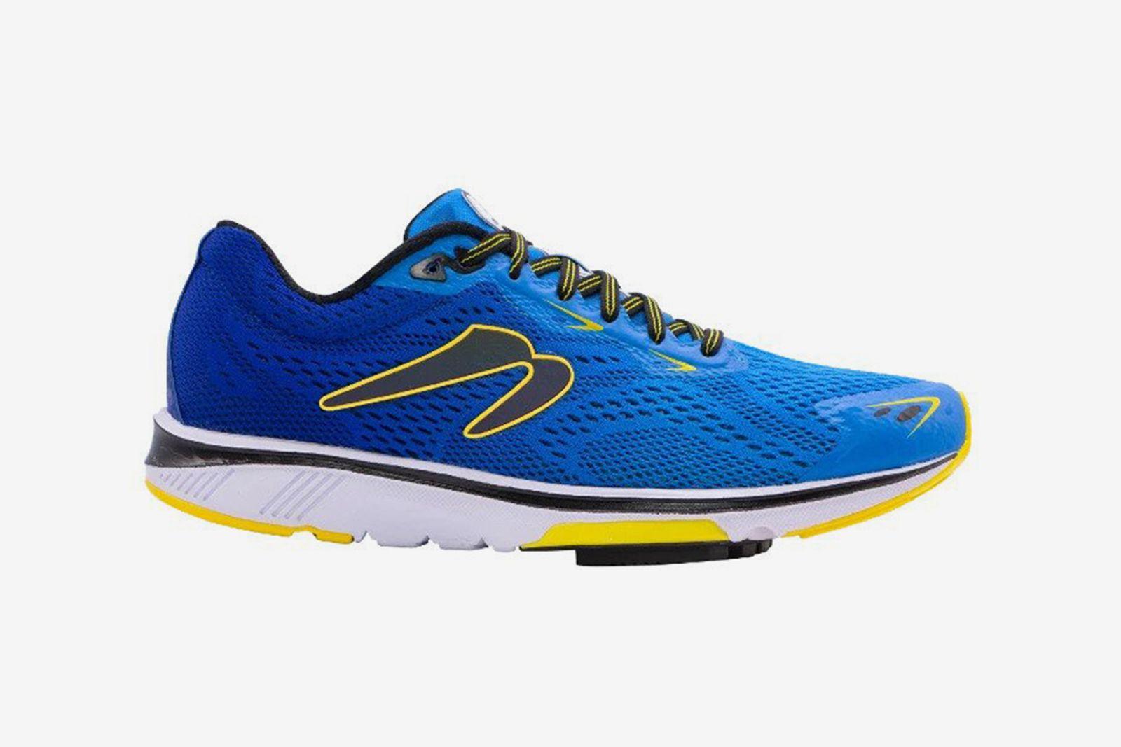 best-running-shoes-for-men-guide-salomon-nike-zoom-pegasus-newton-gravity-9