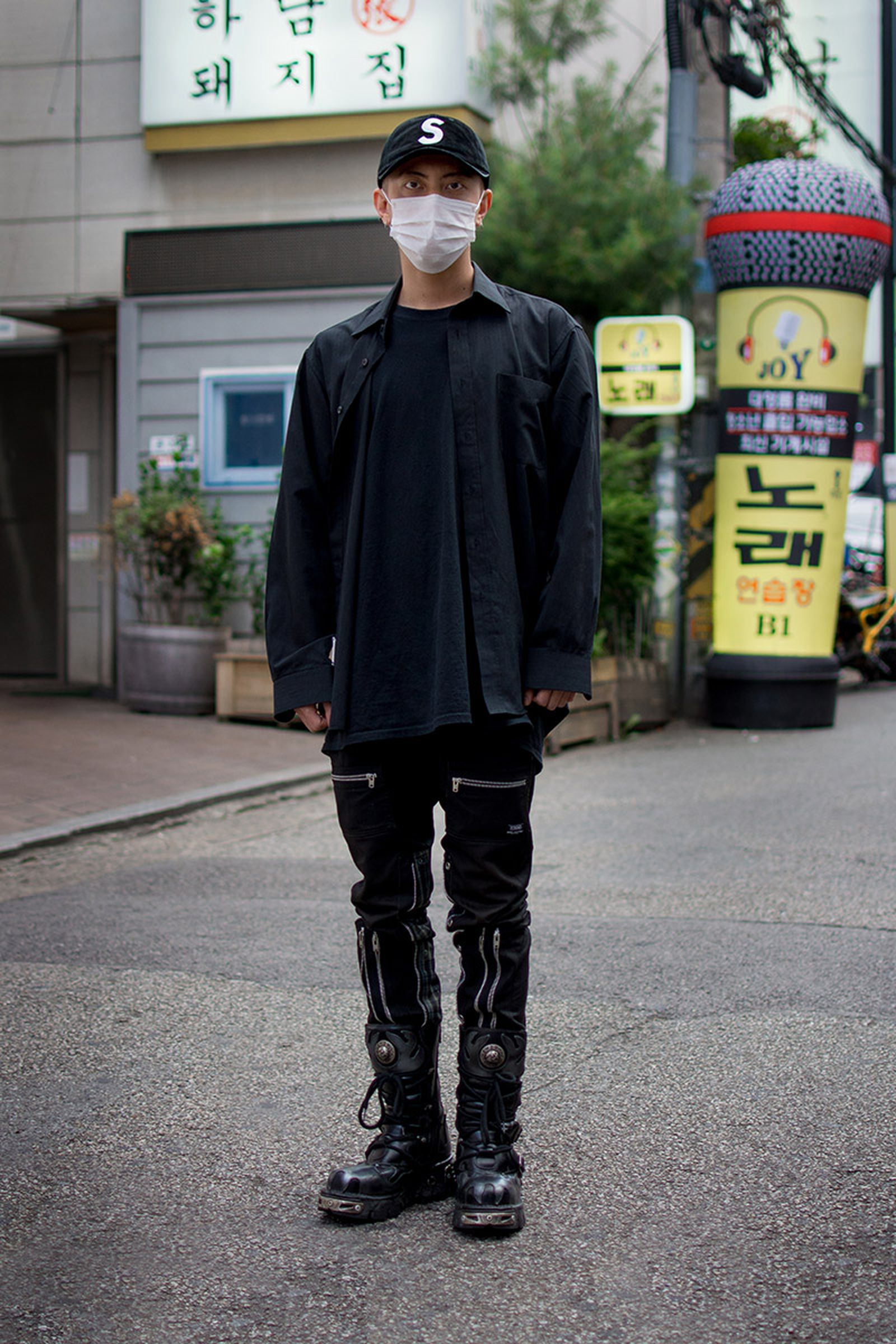 seoul street style july15 Balenciaga Children of the Discordance Gucci
