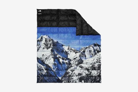 c00c3bf77 Supreme x The North Face Mountain Nuptse Blanket