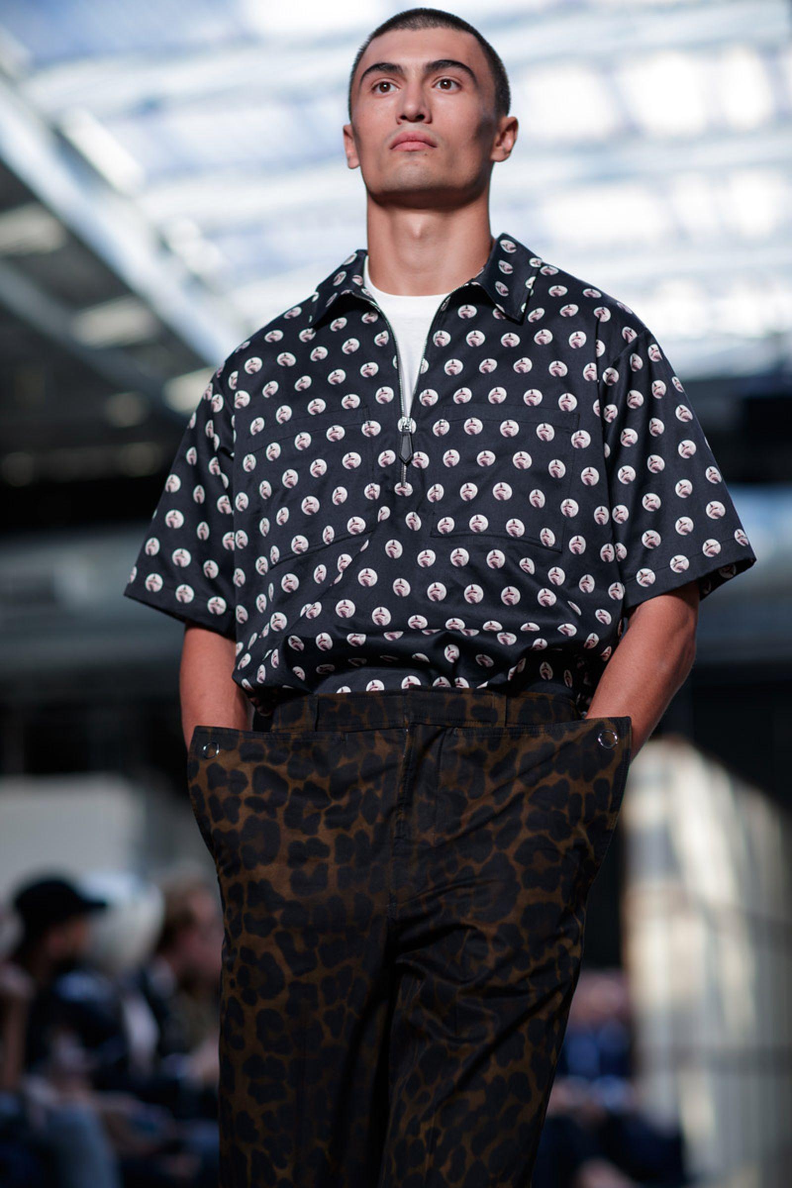 burberry ss19 fashion show riccardo tisci runway