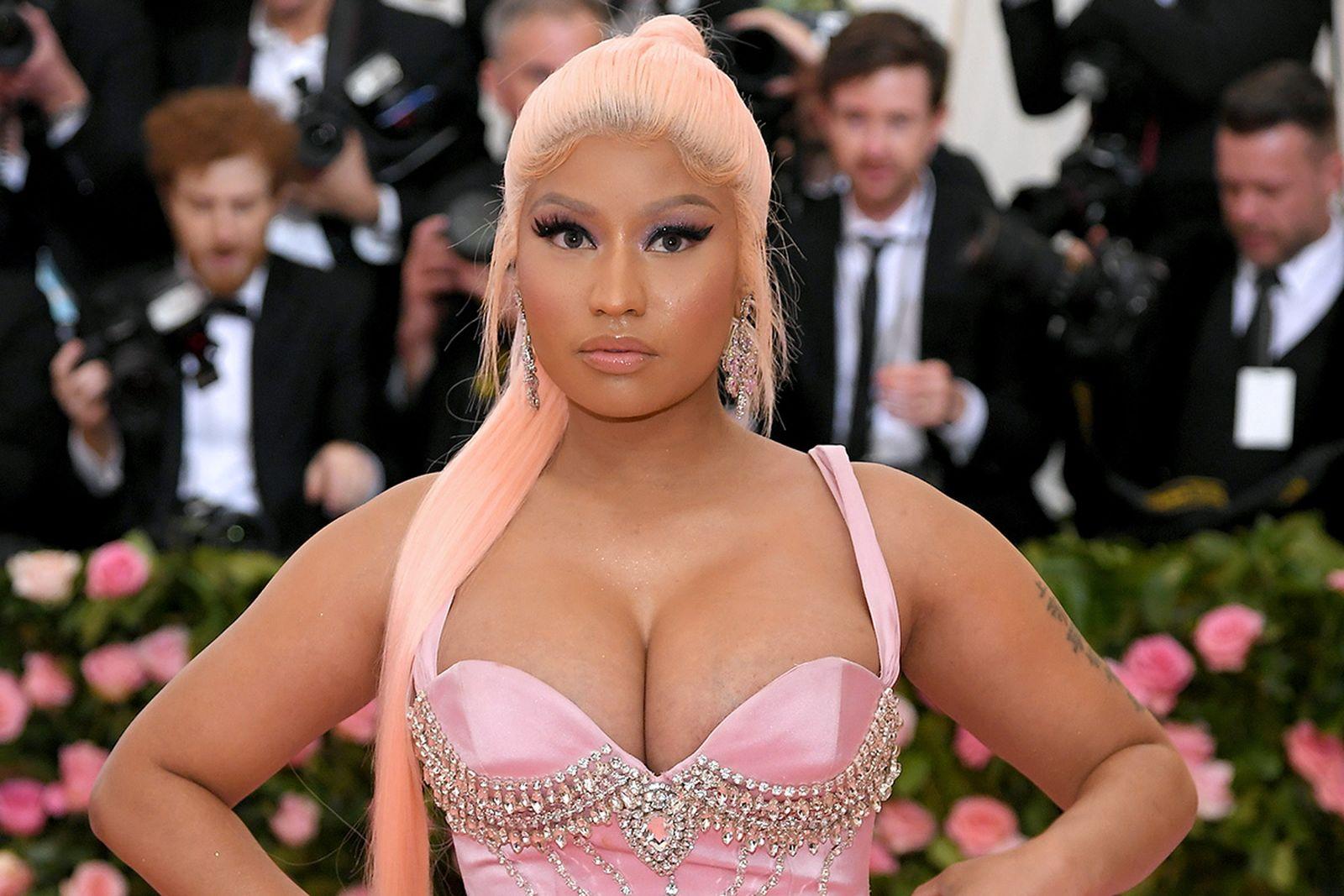 Nicki Minaj Met gala pink dress