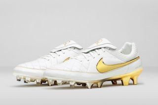 online retailer a7357 ca8b5 Nike Reissues the Tiempo Legend