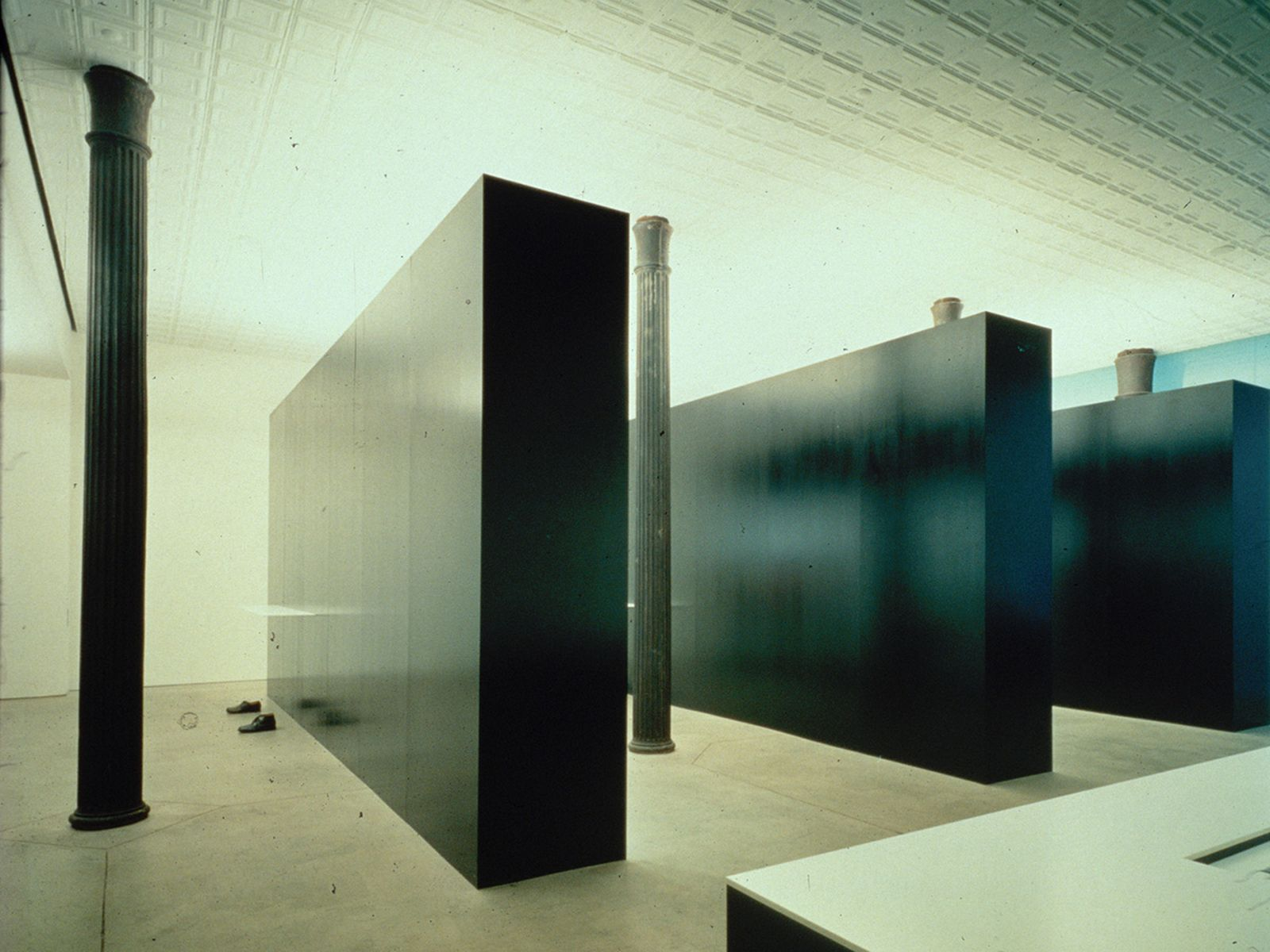 game-changers-best-store-interiors-changed-fashion-helmut-lang-flagship-04
