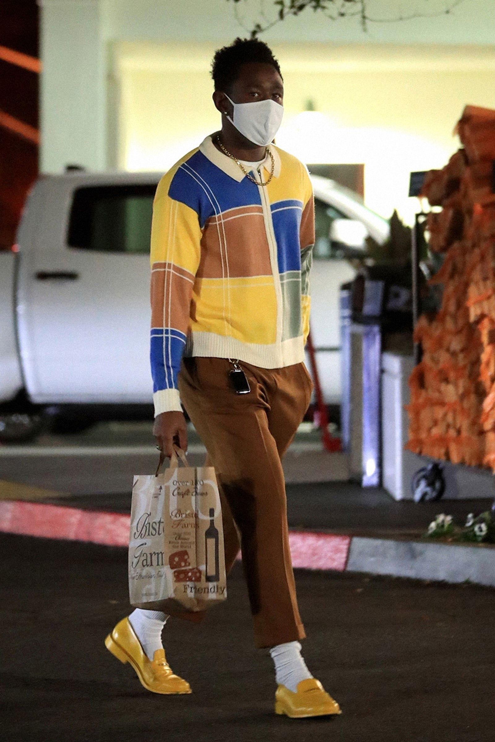 tyler-the-creator-shows-that-grocery-shopping-01