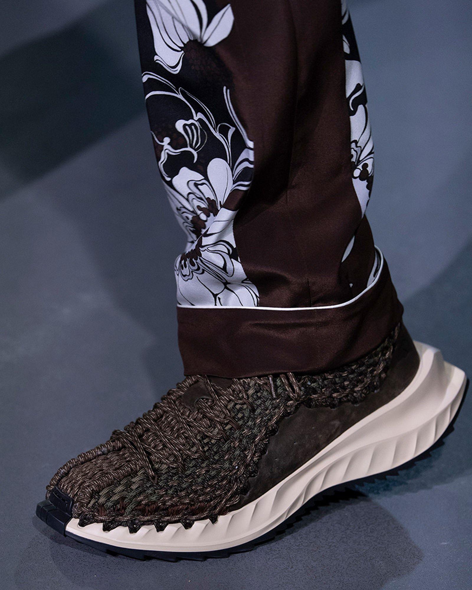 fashion-week-ss22-sneaker-roundup-valentino-01