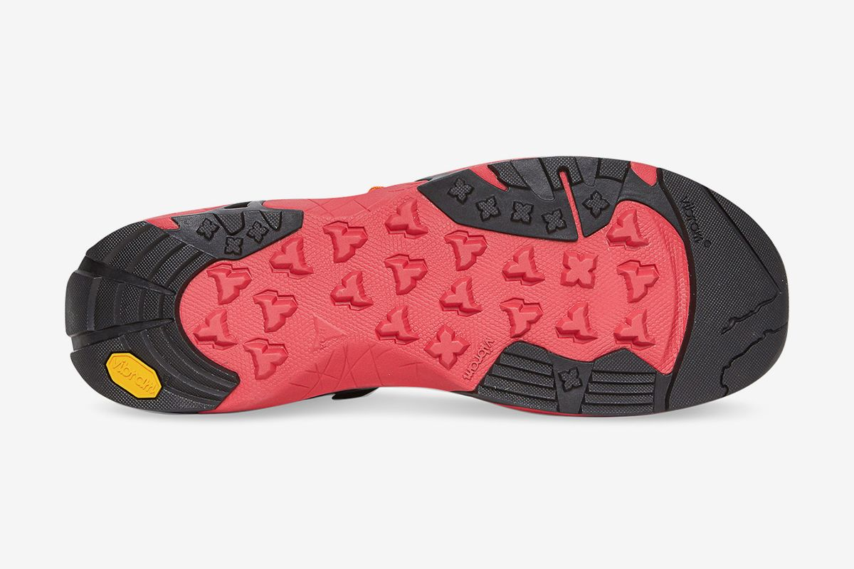 ROA's Banging New Slip-On Goes From the Streets to the Trails 54