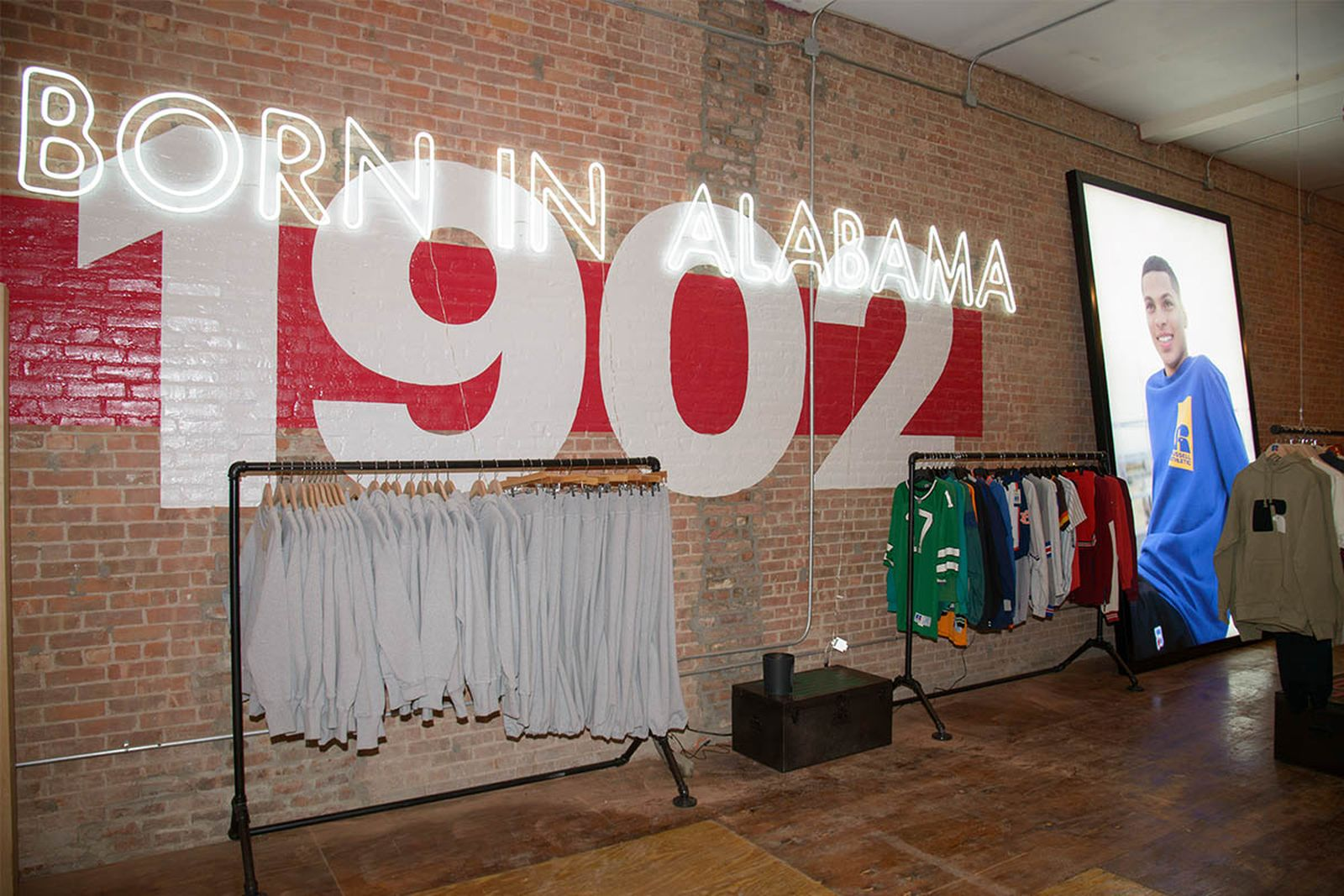 russell-athletic-nyc-pop-up-02