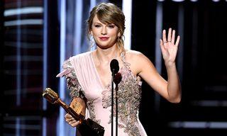 Taylor Swift Endorses Democrats Ahead of US Midterm Elections