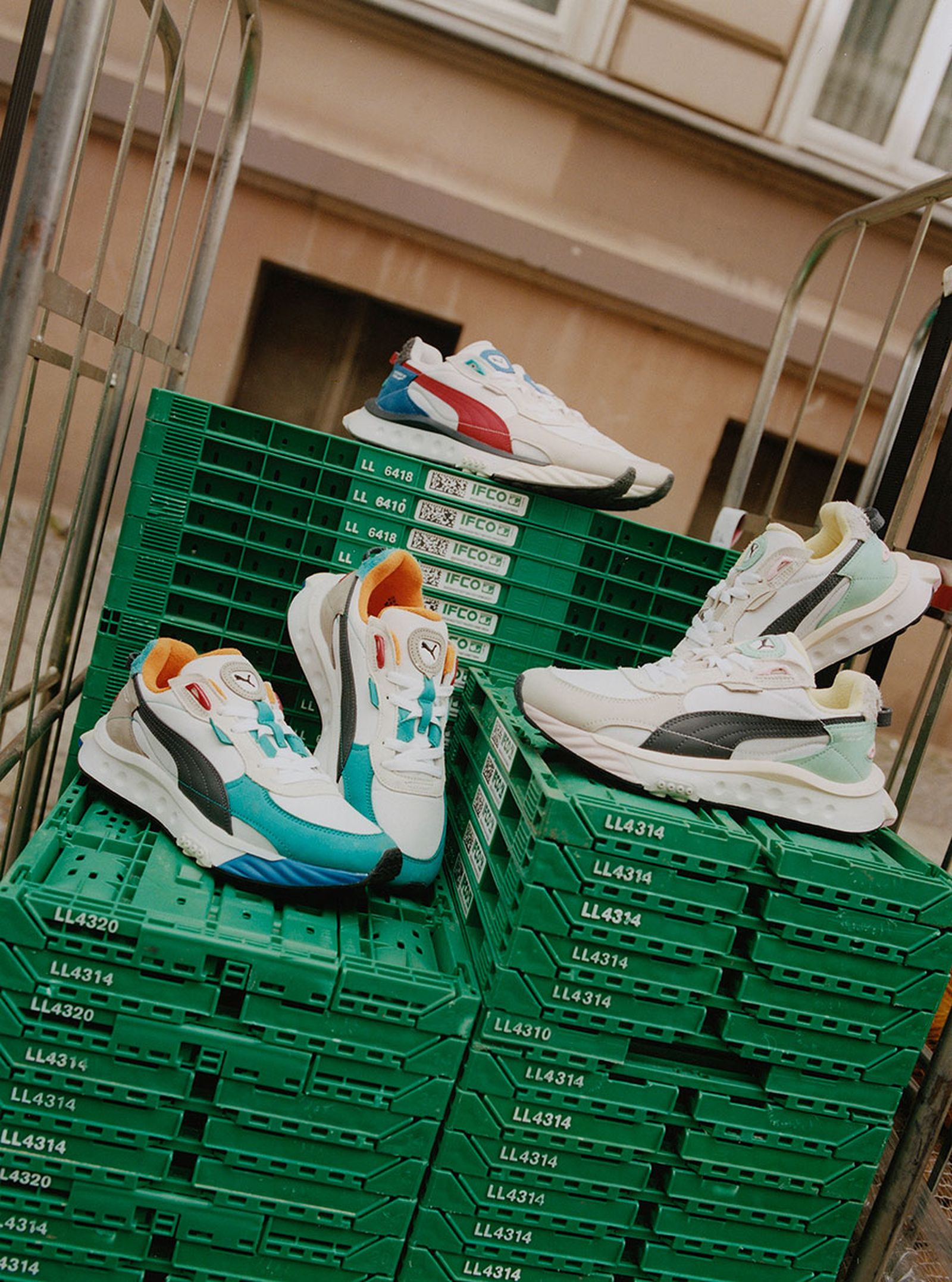 daily-sneaker-news-04-06-2021-3-01