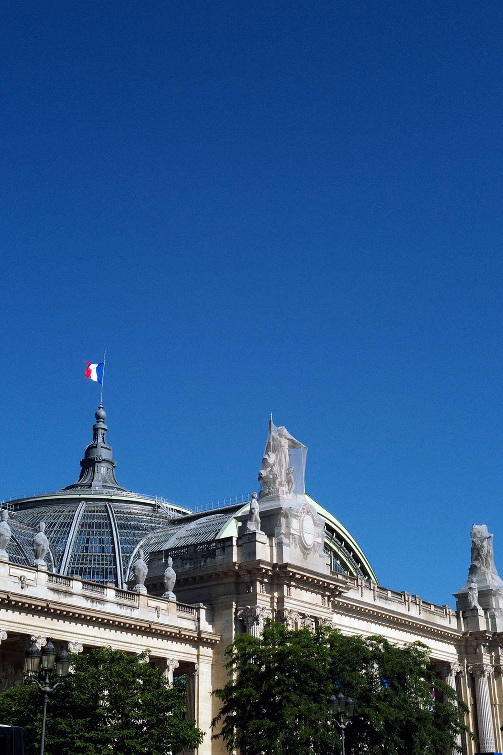 J1070513 Leica Q2 paris fashion week