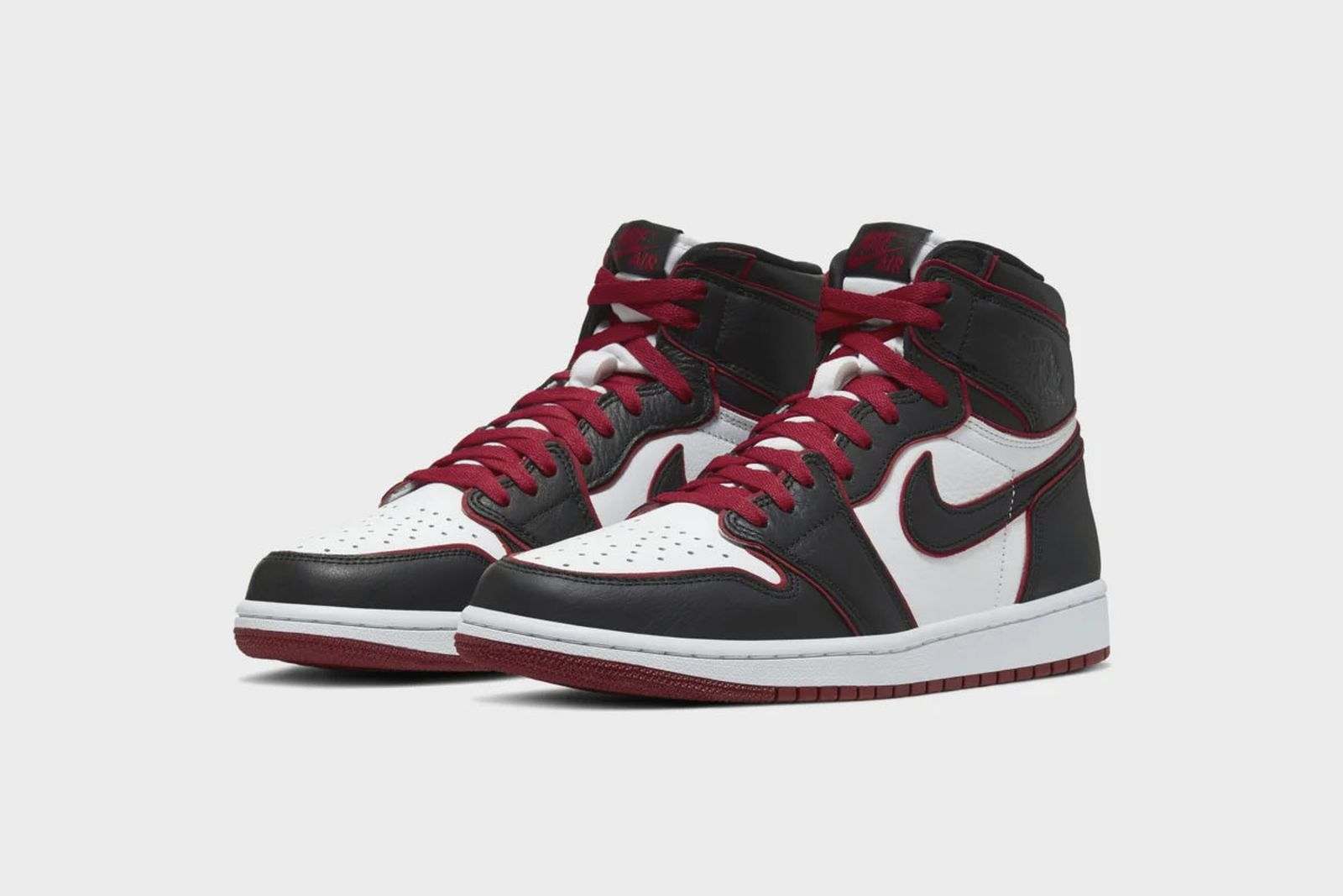 air-jordan-1-retro-high-og-bloodline-release-date-price-11