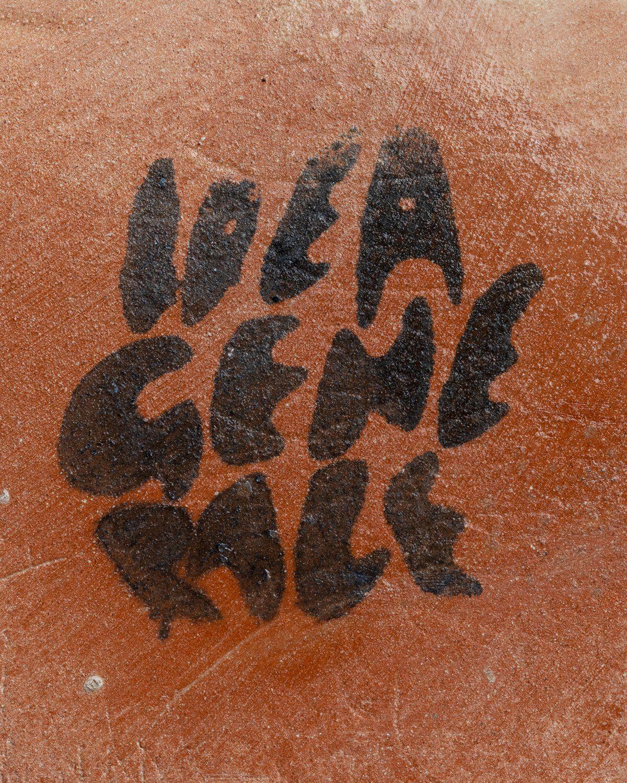 Idea Generale – Tabi Vase Matte Black - Image 4