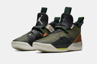 70b295885c38 Travis Scott x Air Jordan 33
