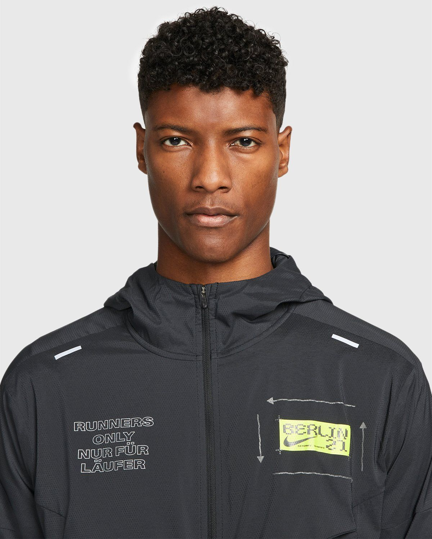 Nike x Highsnobiety – Mens Repel Berlin Windrunner Jacket Black - Image 3