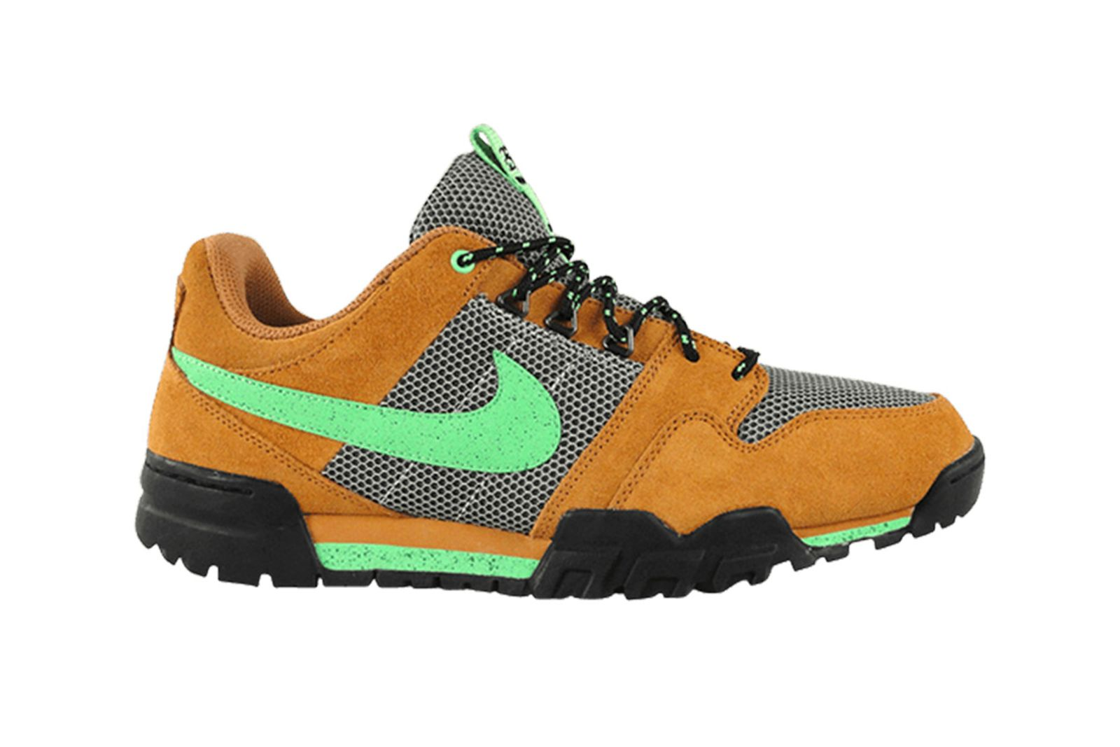 stussy-nike-sneaker-collaboration-roundup-new-001