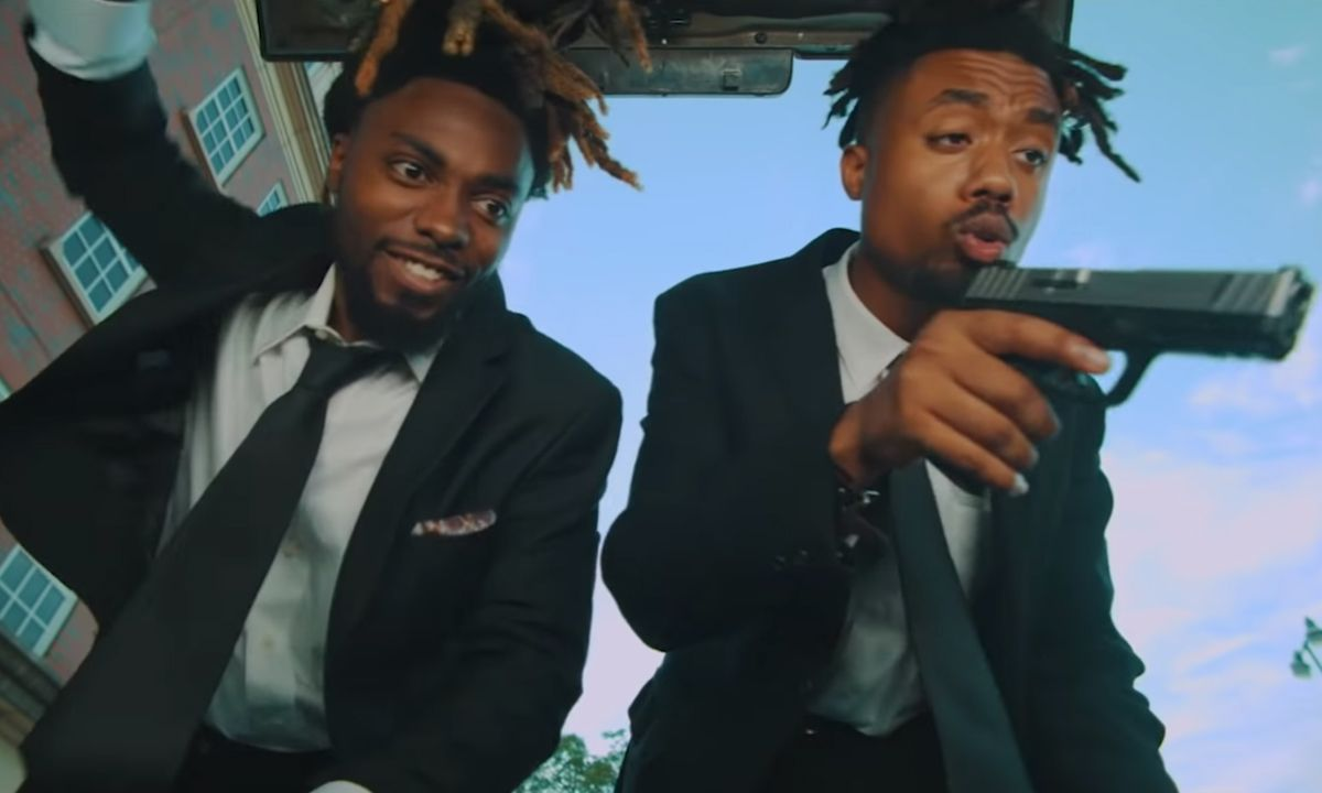 """EarthGang Teases Release Date for 'MirrorLand' in Trippy """"Ready to Die"""" Video"""