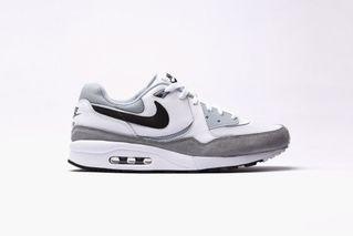hot sale online ea27a ac1b9 Nike Air Max Light Essential