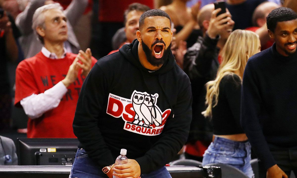 "Drake Responds to Criticism of His ""Disrespectful"" Courtside Behavior"