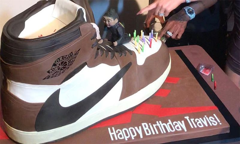 0af9817560d Kylie Jenner Gave Travis Scott a Birthday Cake of His Air Jordan 1 ...