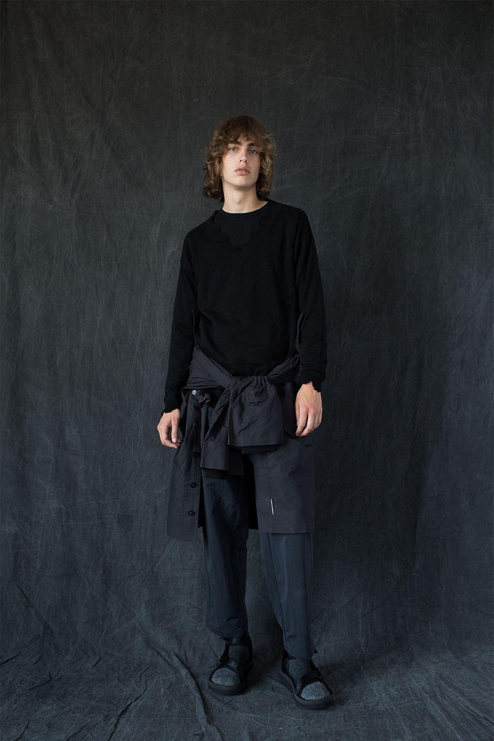 brandblack-tabi-sock-sandal-style-06