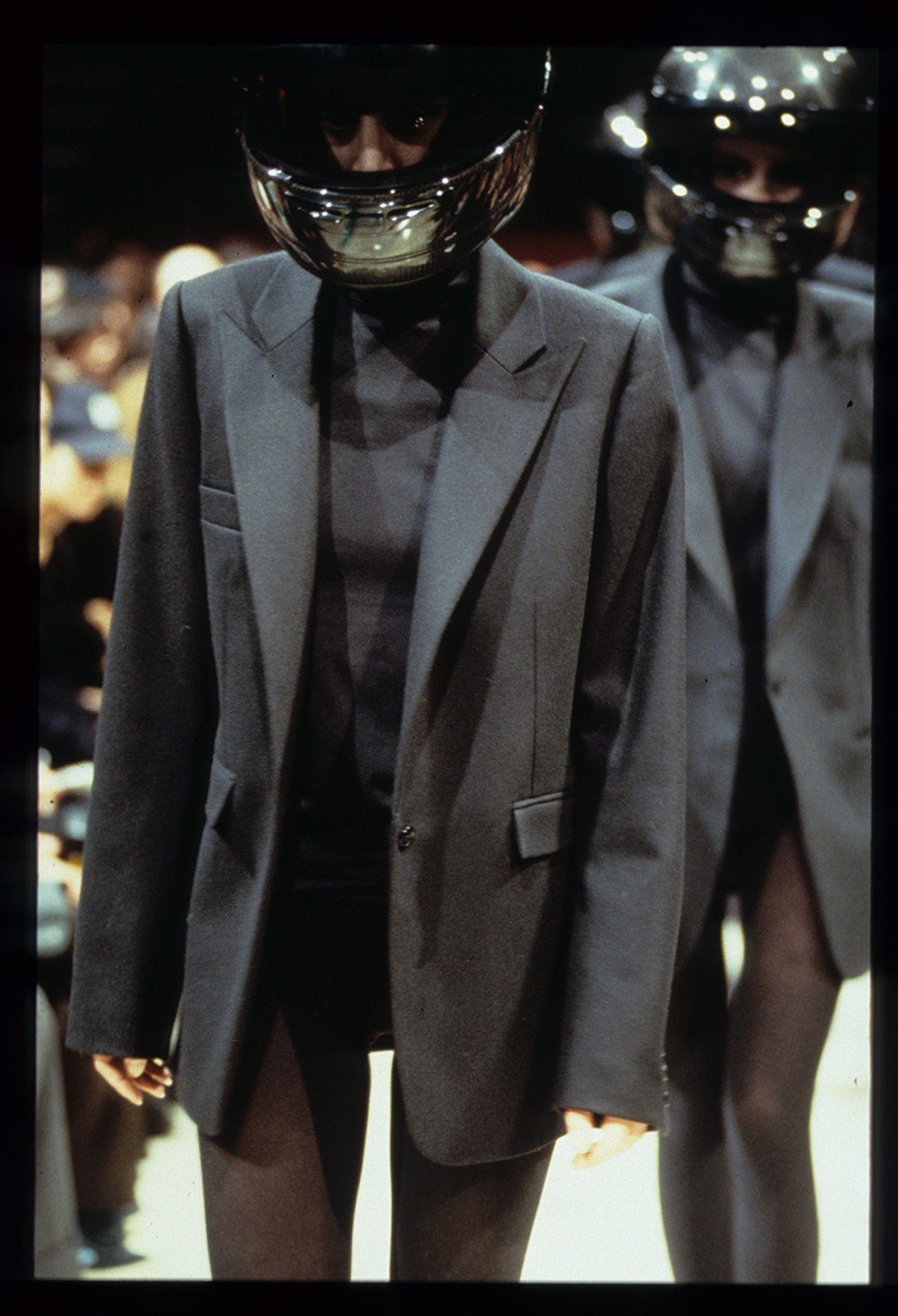 the-12-fashion-shows-that-changed-mens-fashion-raf-simons-aw98-07