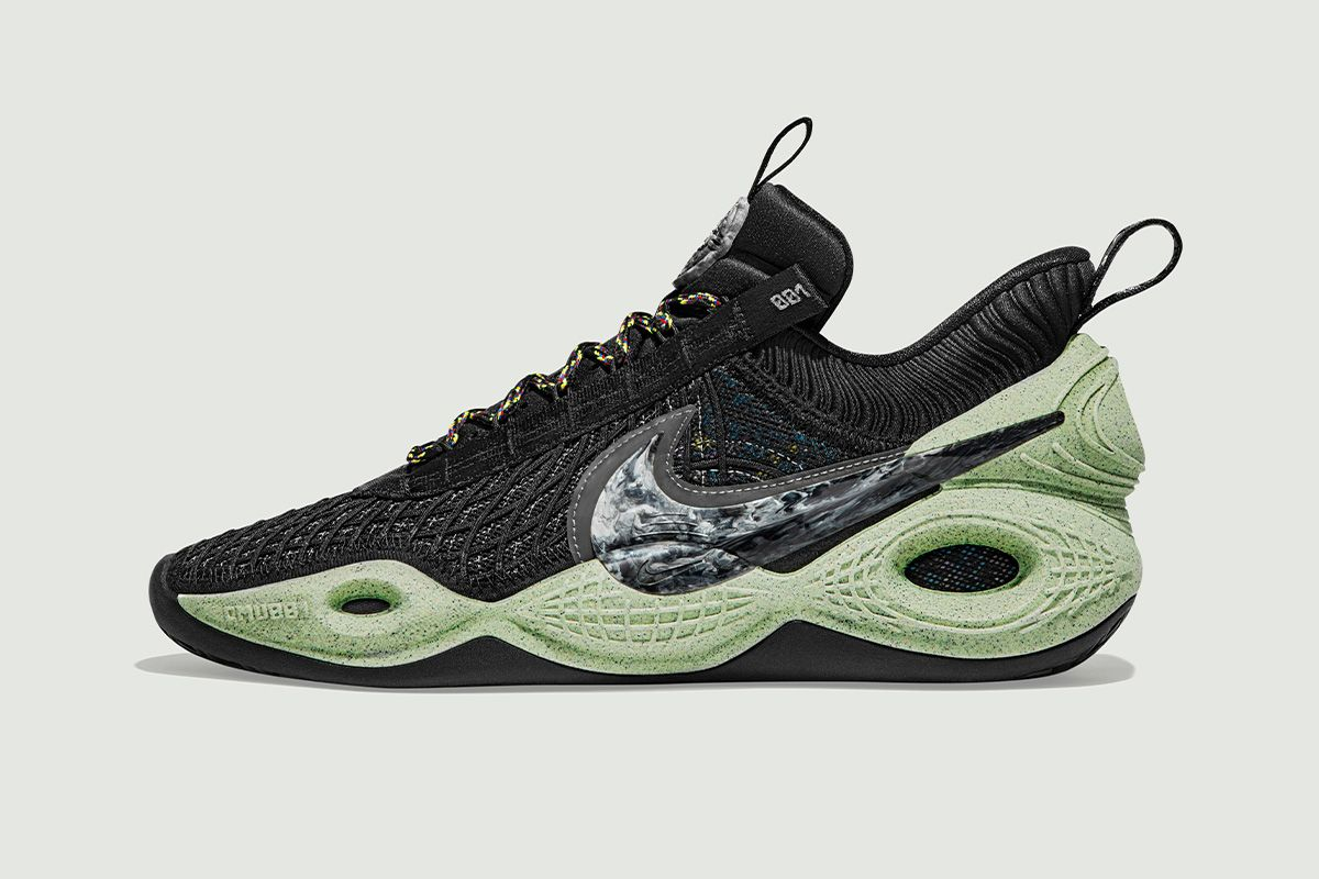 Nike's New Basketball Sneaker Is a Spacey '90s Hit