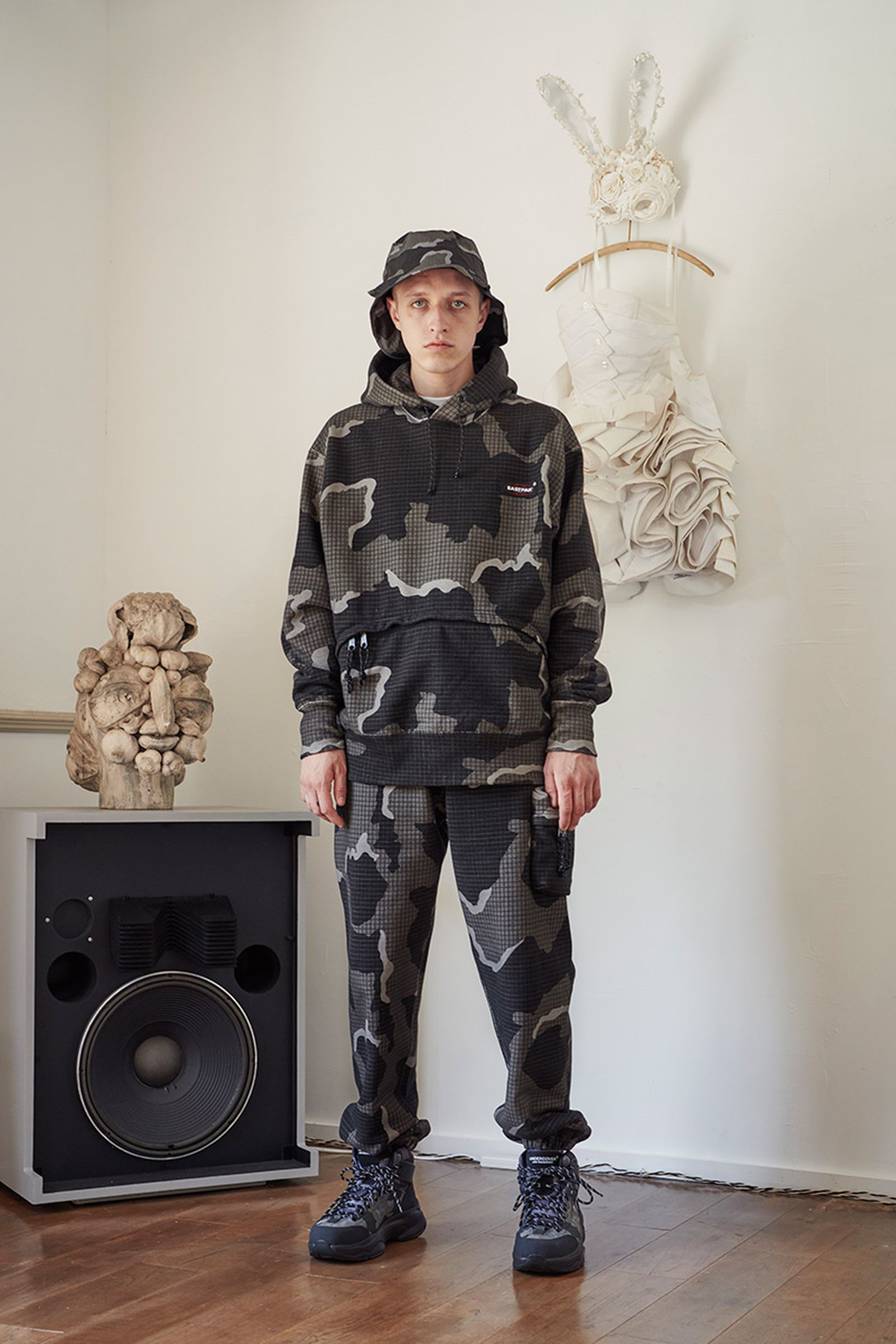 undercover-ss22-menswear-collection-31