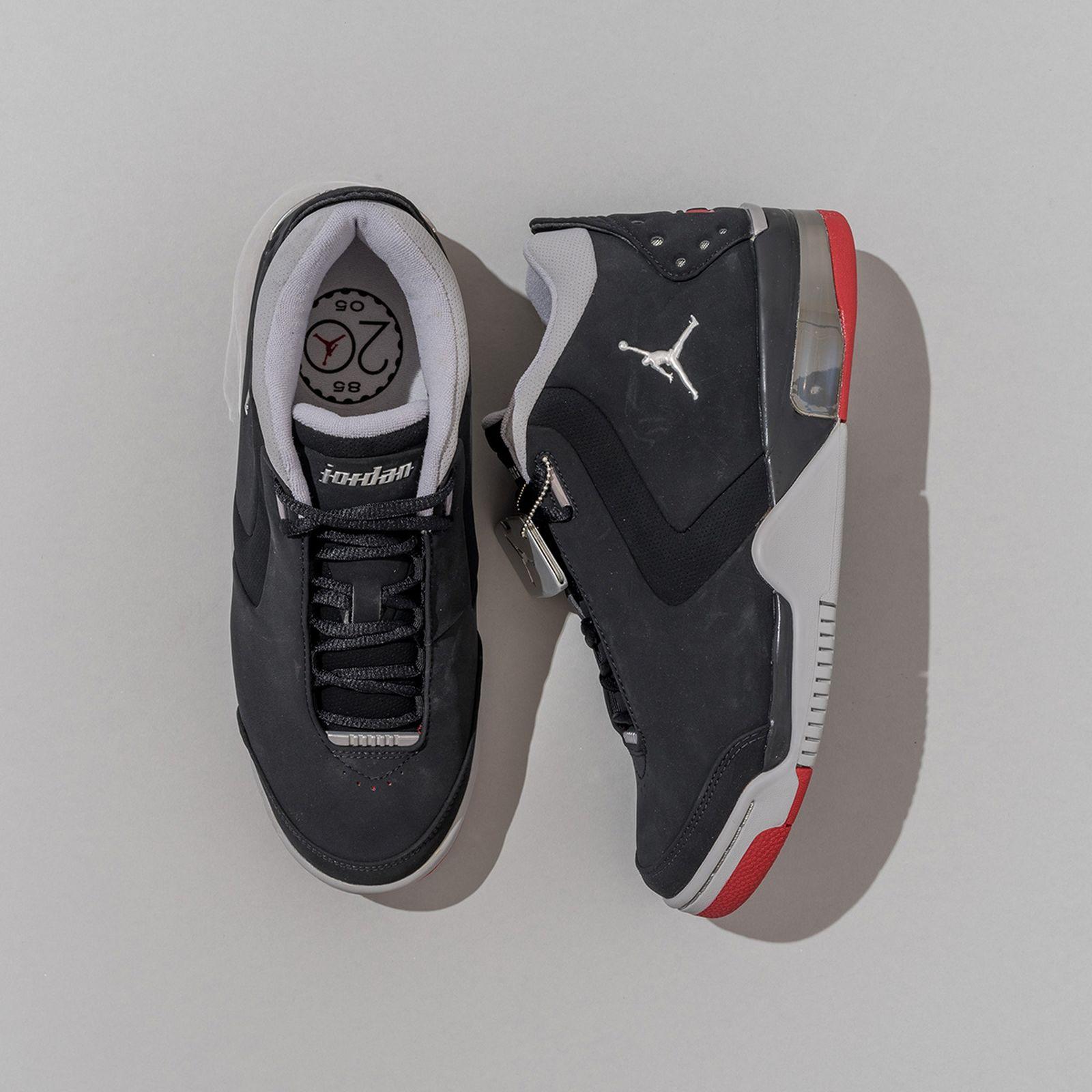 brad-hogan-jordan-sneaker-collection-05