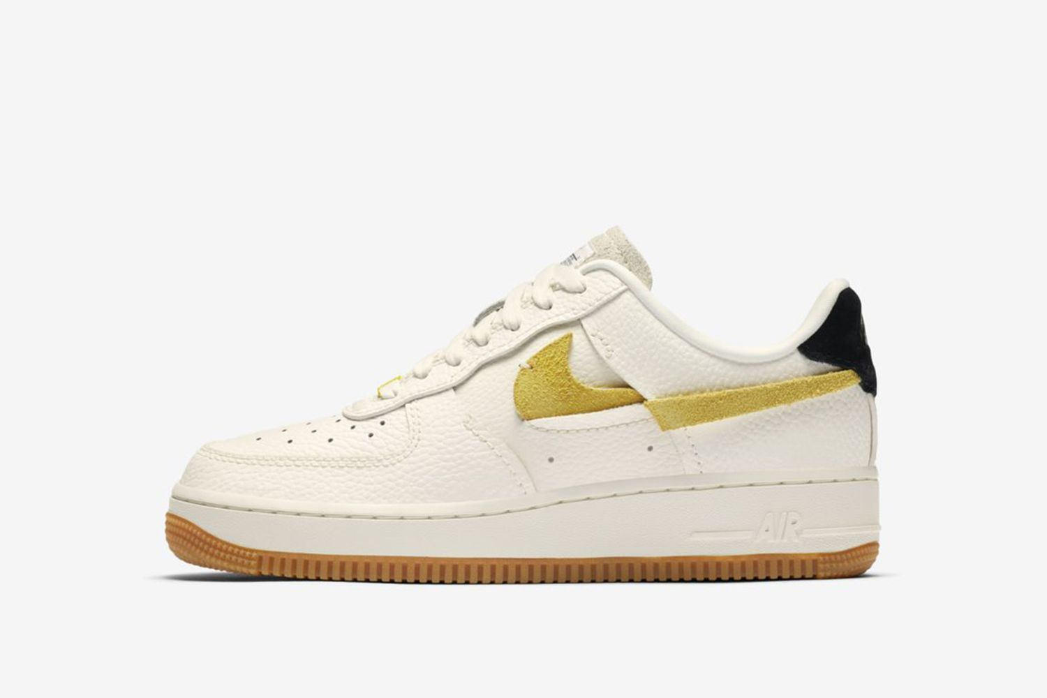 W Air Force 1 Vandalized