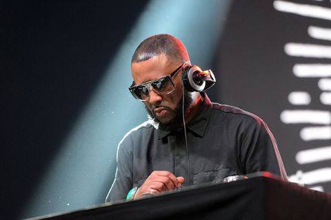 Madlib performs on stage