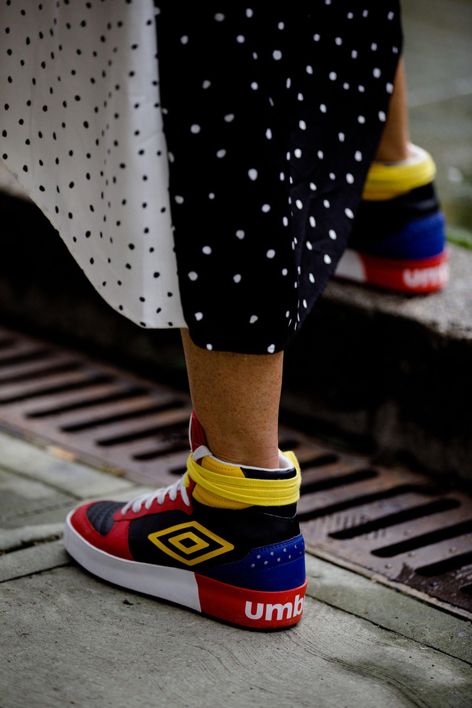 pitti uomo sneaker street style Acne Studios Maison Margiela Nike