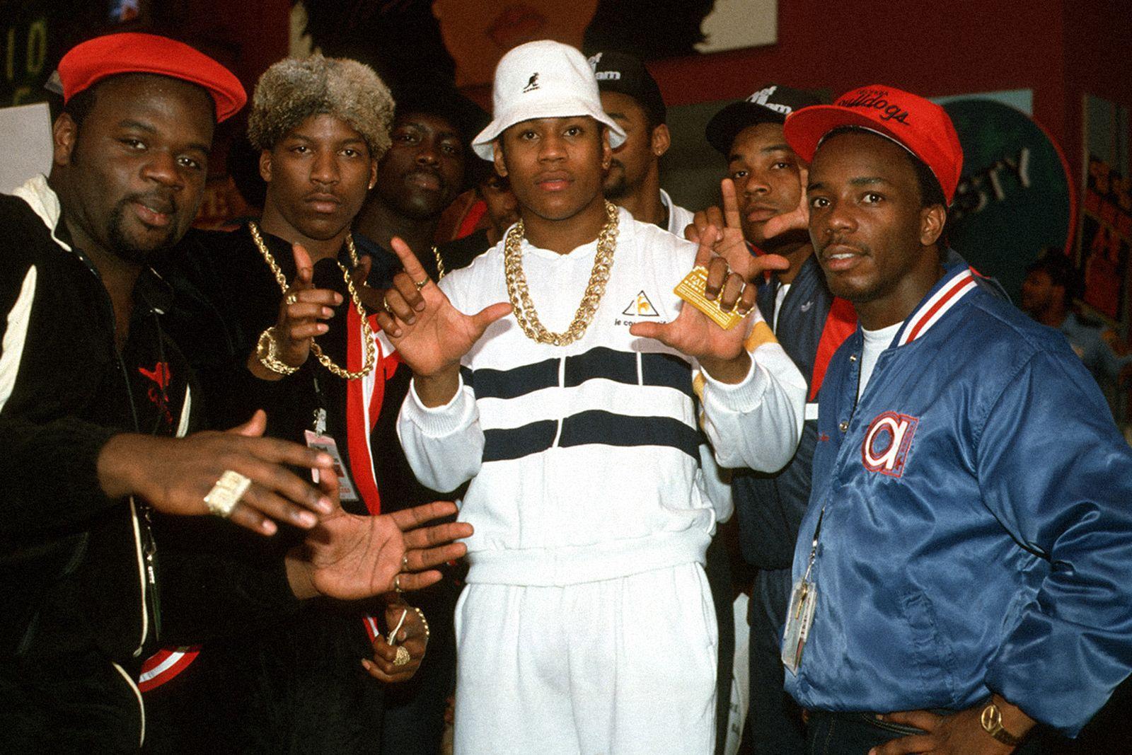 chains-gold-hip-hop-main