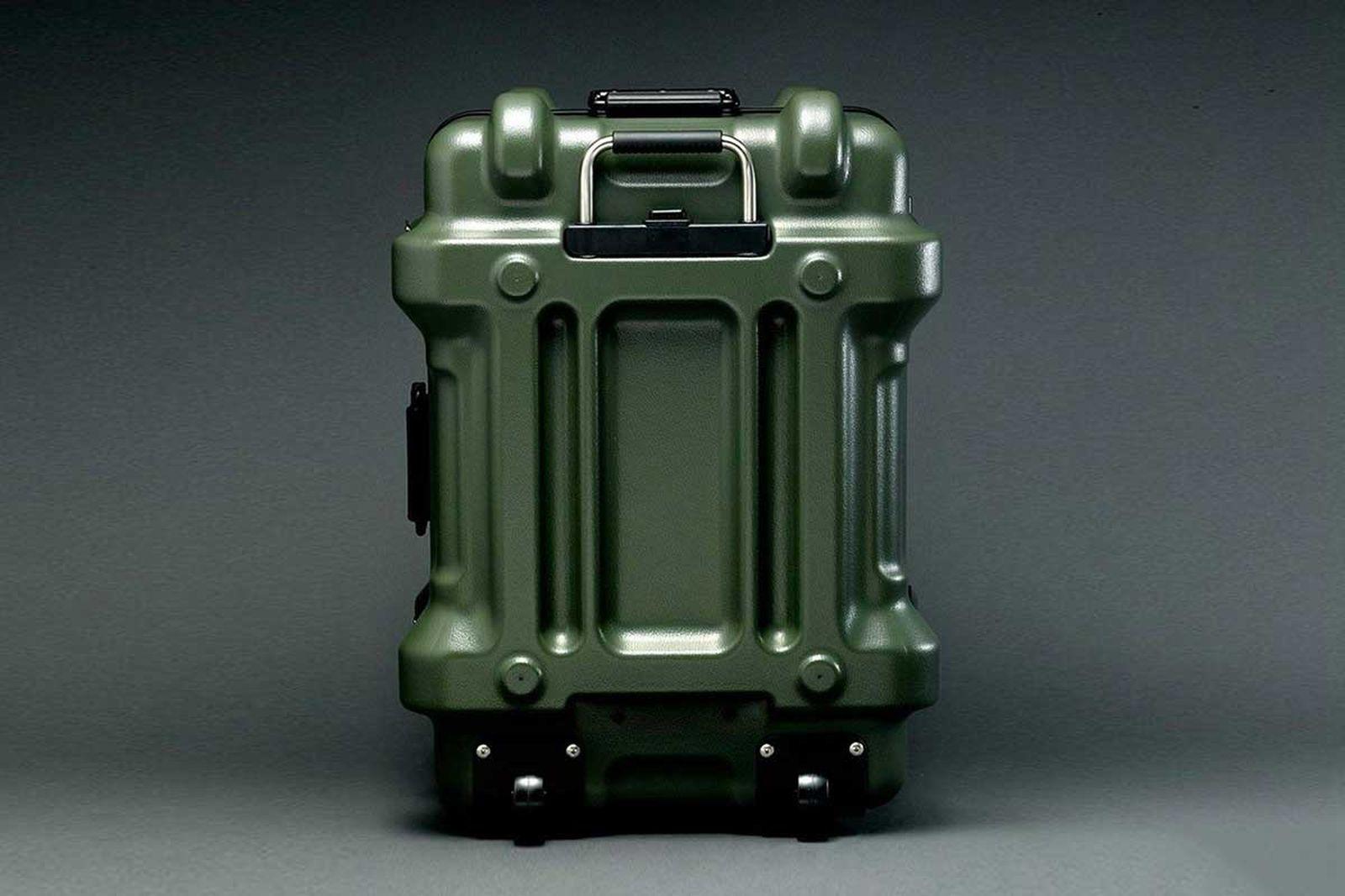 gundam-suitcase-1