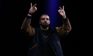 """Drake Dominates Apple's """"Best of 2018"""" Global Music Charts"""