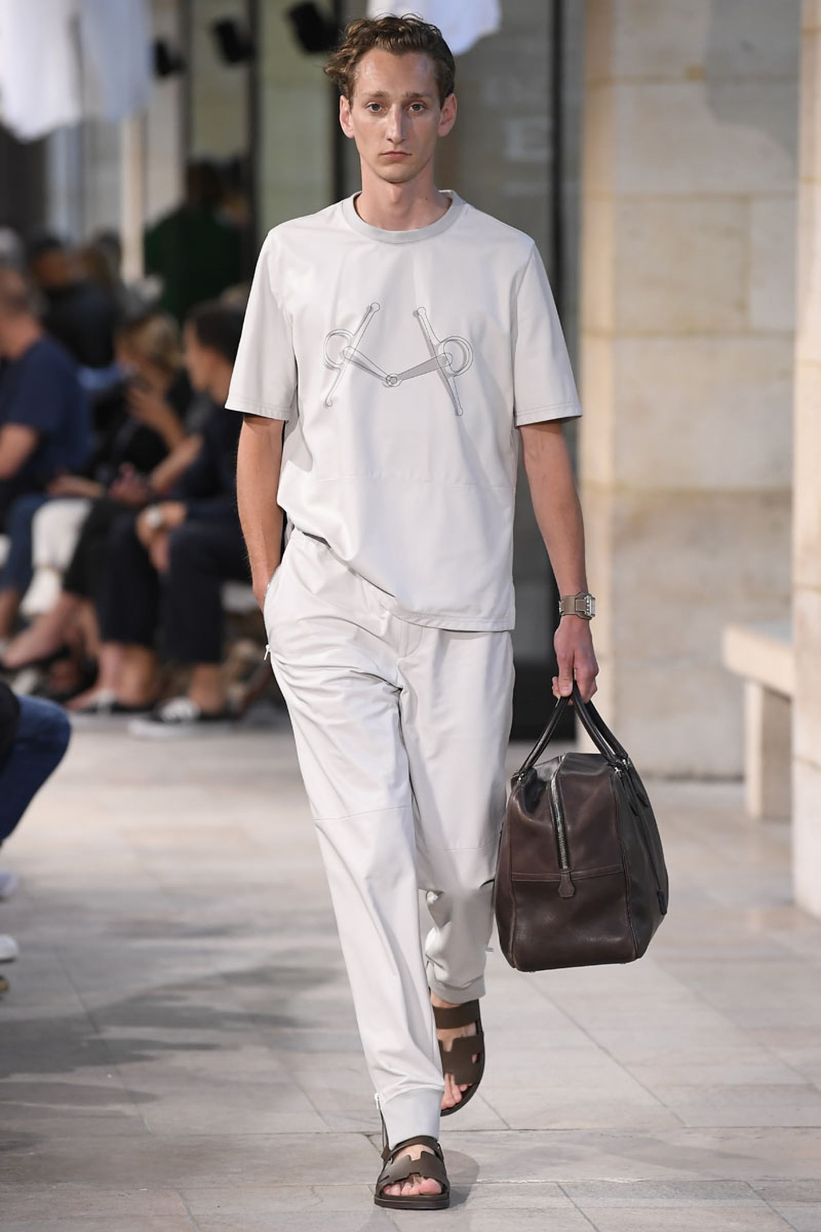 12hermes ss19 show