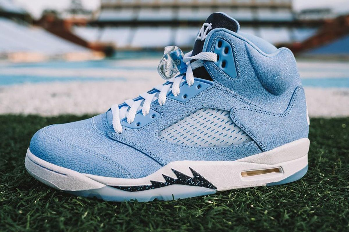 UNC Football Players Are Getting This Mouth-Watering AJ5 PE 3