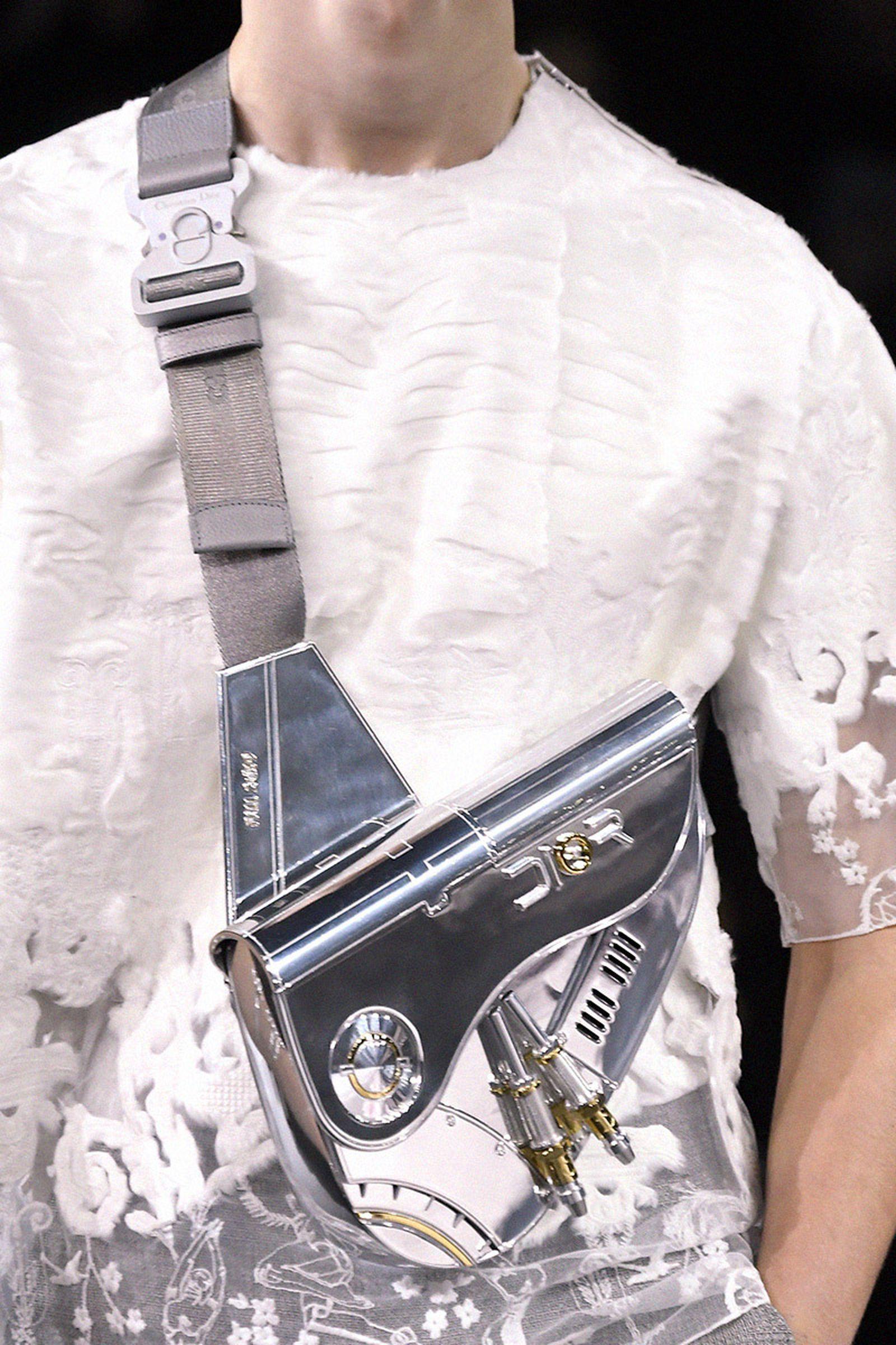 dior sorayama saddle bag diamonds trend eyefunny 032c Harjime Sorayama kim jones